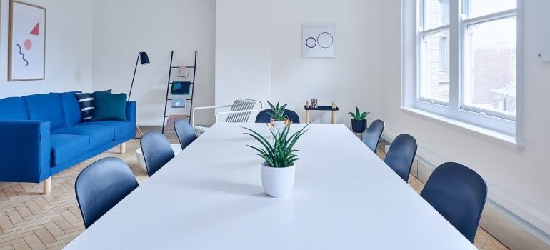 A conference room for commercial movers Kentucky to relocate.